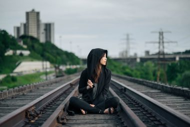 railroad-tracks-863675_1920