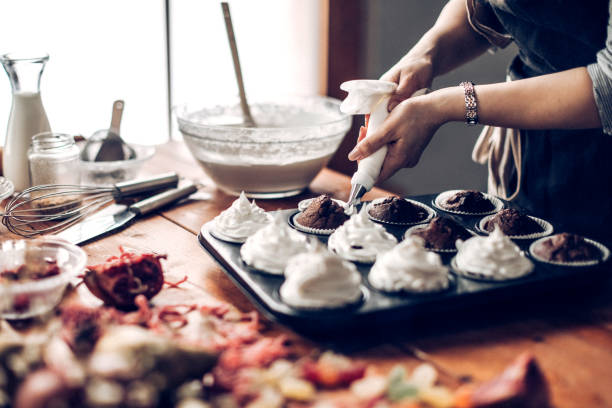 我在網路上經營個人的甜點品牌已經一年了,希望透過信用市集的貸款能更靠近夢想(示意圖,非當事人)